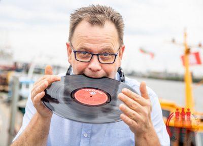 Buchen Sie Ihren DJ für Firmenfeier Hamburg