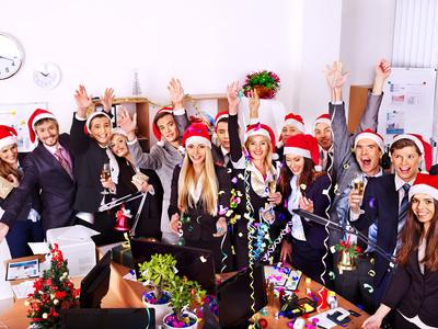 Buchen Sie Ihren DJ für Firmenfeier Hamburg - DJ für Weihnachtsfeier buchen
